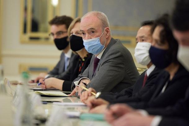 Зеленский с послами стран G7 обсудил санкции СМИ 1